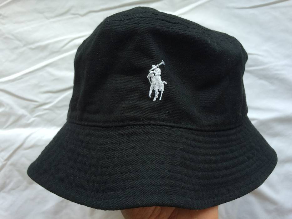 fcda7bd7e37 Polo Ralph Lauren Vintage Black Polo Bucket Hat Size one size - Hats ...