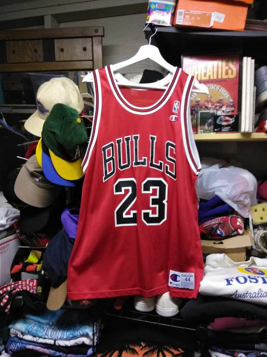 Vintage Vintage Michael Jordan  23 Champion Home Chicago Bulls Jersey Rare  Size US M   b8806f392