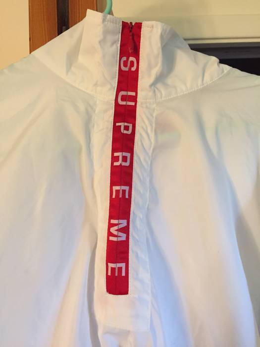 5de08442e3 ... Supreme Supreme Zip Logo Pullover white red Windbreaker Size US M EU 48- 50 ...