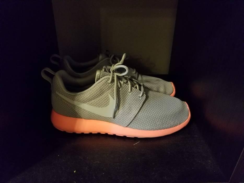 962621918138 Nike Roshe Run Mango V1 511881-006 Size 8.5 - Low-Top Sneakers for ...
