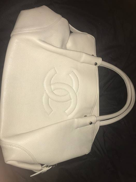 3b57b109bef6 Chanel CREAM WHITE EMBROIDERED CHANEL BAG  PURSE Size one size ...