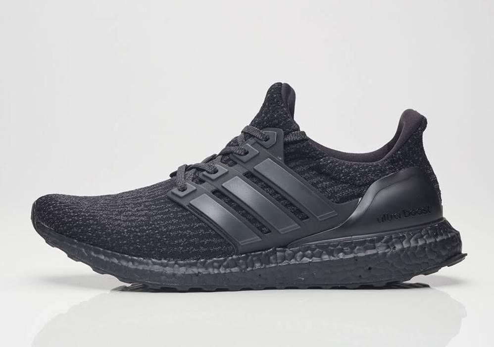 Adidas ADIDAS ULTRA BOOST 3.0 TRIPLE BLACK Size 10 - Low-Top ... 923d6504e