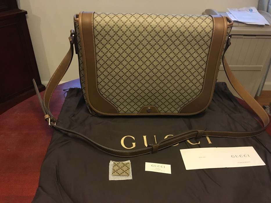 987a96bf675 Gucci  FINAL DROP  Diamante Canvas and Leather Messenger Bag Size ONE SIZE  - 2