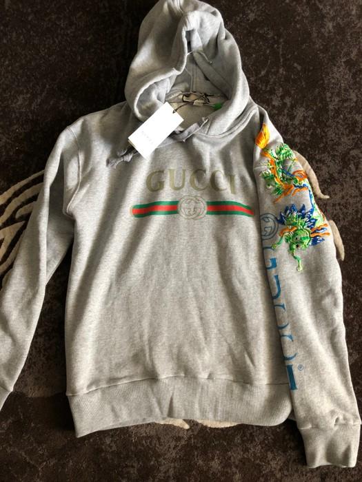 02fcc4deec8 Gucci Dragon Logo Hoodie Size m - Sweatshirts   Hoodies for Sale ...