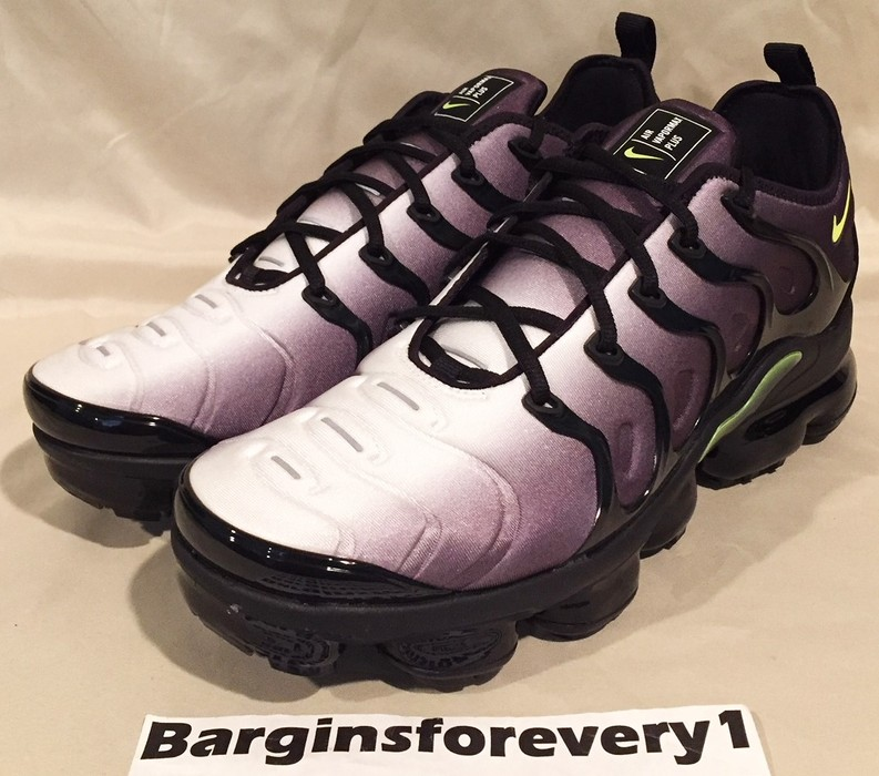 408a6b2cfbb Nike. New Nike Air Vapormax Plus - Size 11.5 - Black Volt-White - 924453-009
