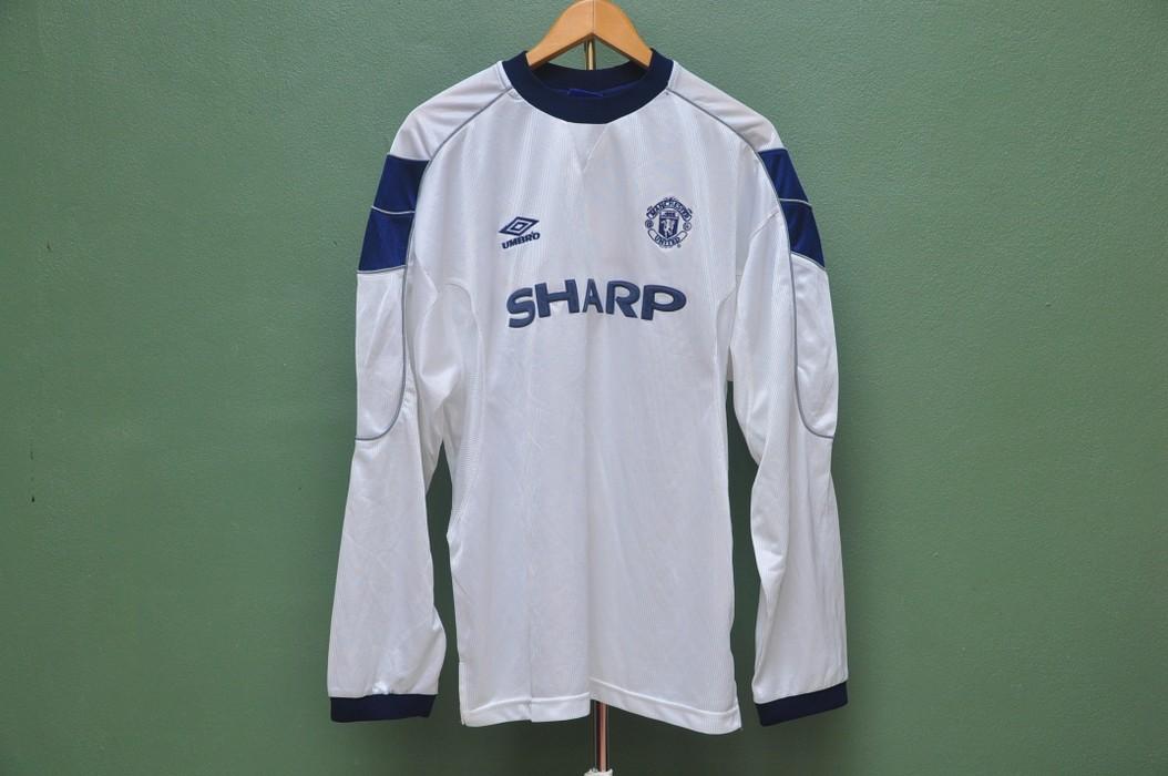 42b4aaba8 Designer Vintage Manchester United Football Club Umbro Sharp Jersey Size US  XL   EU 56