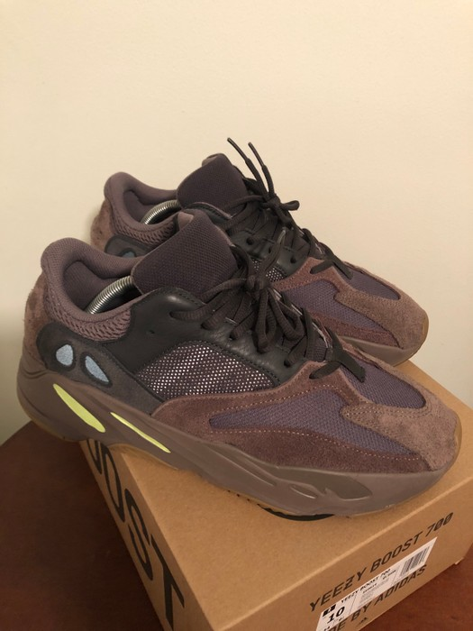 7264af802dd Adidas Kanye West CLEAN Yeezy 700 Mauve Size 10 - Low-Top Sneakers ...