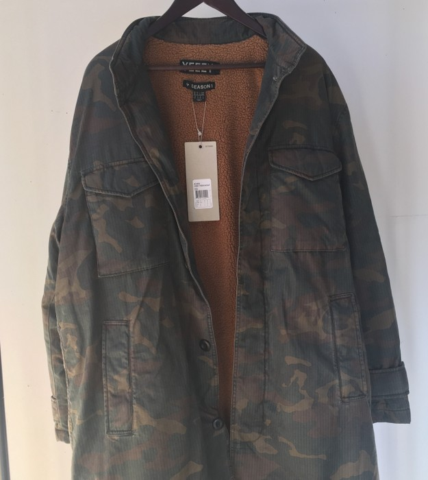 959329ffbb91b Yeezy Season Yeezy Season 1 Camo Trench Coat DS Medium Fear of God FOG  Supreme Size