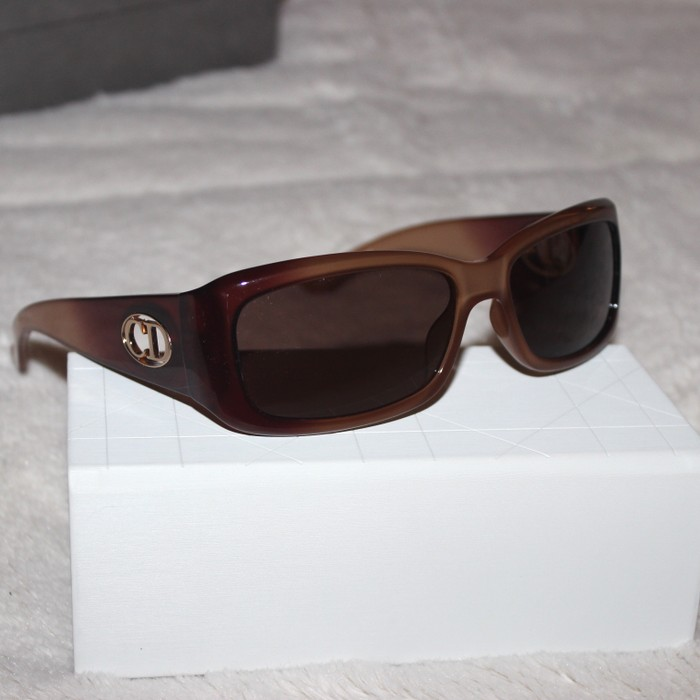 49d8b86367a Dior 🔥FINAL DROP🔥Brown Dior Flavour 2 Sunglasses Size one size ...