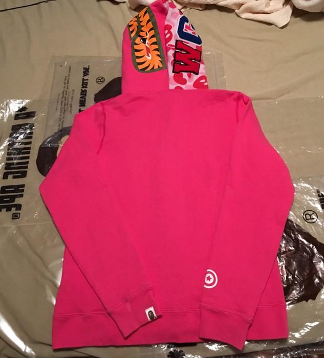 b8e742e6d86d Bape Bape Pink Milo Camo Shark Hoodie Size s - Sweatshirts   Hoodies ...