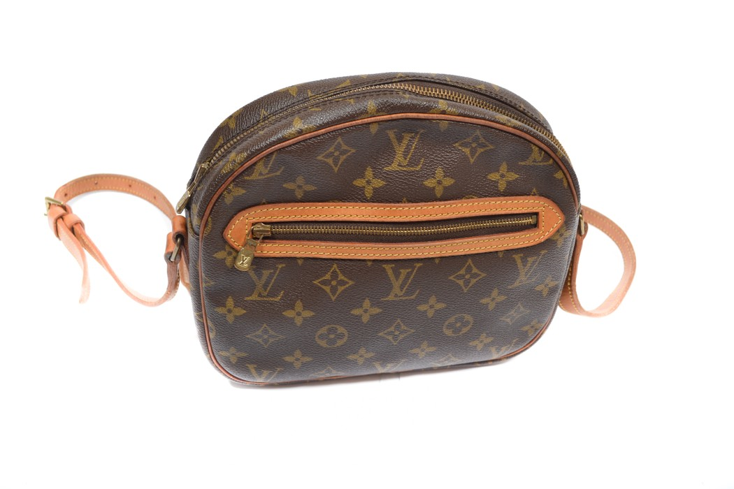 6072b71cf453 Louis Vuitton vintage crossbody monogram bag from 80s Size one size ...