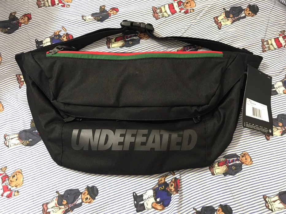 1677896c17 Nike Undefeated Nike Messenger Bag Fanny Pack Size one size - Bags ...