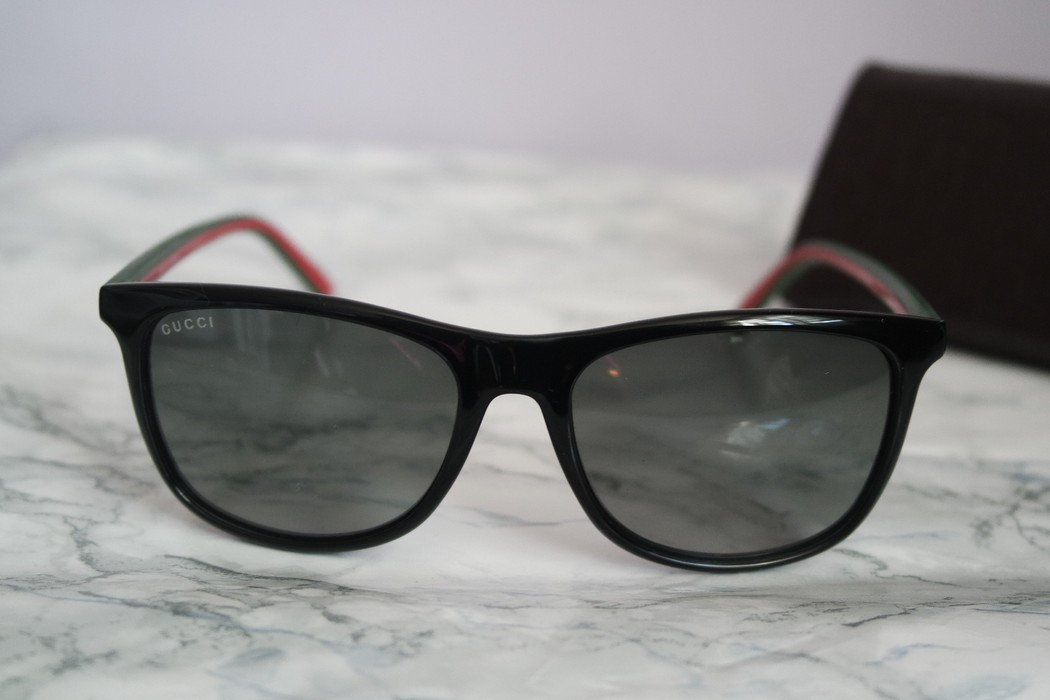 ffa759b3bd3 Gucci NEW Gucci 1055 Black Logo Stripe Leg Sunglasses Size one size ...