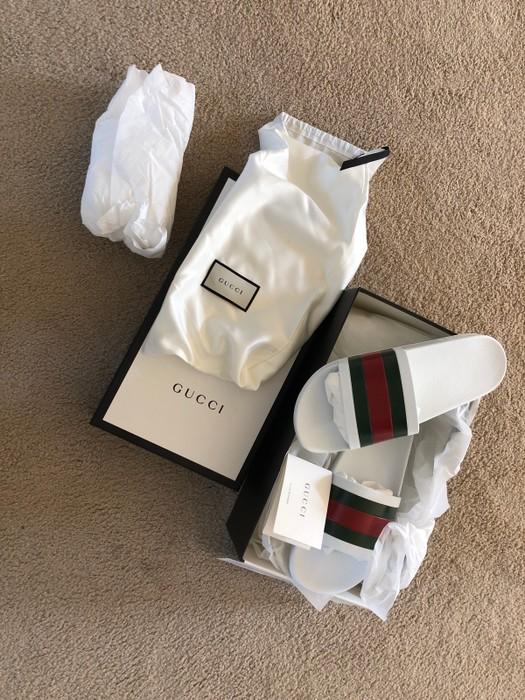 8a8da44d5 Gucci Gucci White Slides  Never Worn Deadstock  Size 10 - Sandals ...