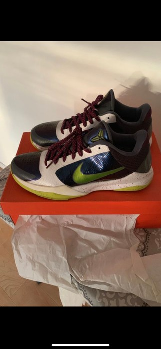 new concept dfca7 9c0db Nike Nike Zoom Kobe V Chaos Sz 10 Size US 10   EU 43