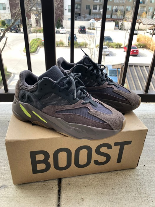 3be7fd586 Adidas Adidas Yeezy 700 mauve (fits like 9) Size 9 - Low-Top ...