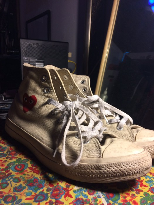 3d66c81976c7 Comme des Garcons Floating Heart Cream Play Converse Size 9 - Hi-Top ...