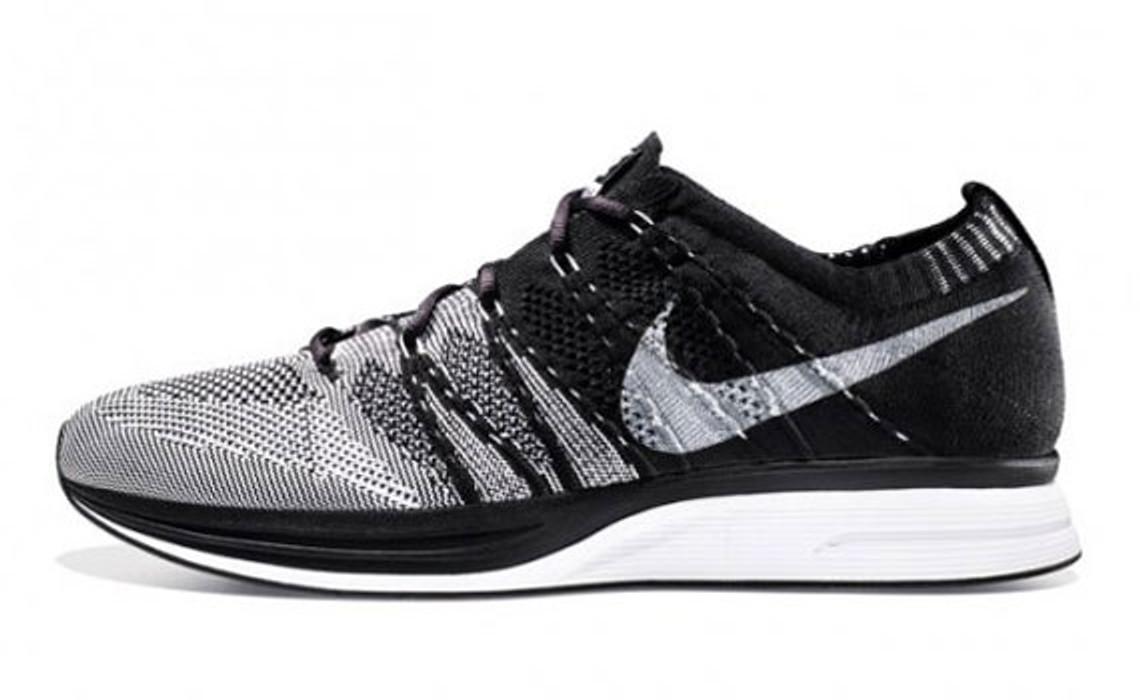 ebc599c28ff5 Nike Nike Flyknit Trainer Black White US 8.5 Size 8.5 - Hi-Top ...