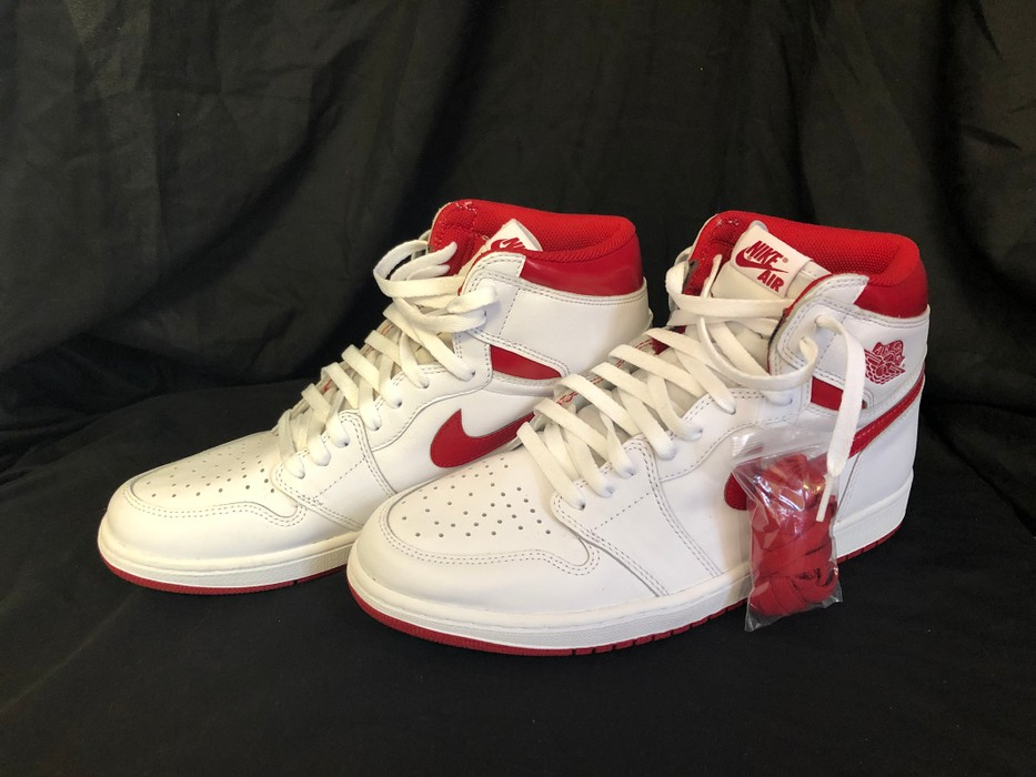 5e5175f0beef Nike Nike Air Jordan 1s Retro Metallic Red Size 12 - Low-Top ...