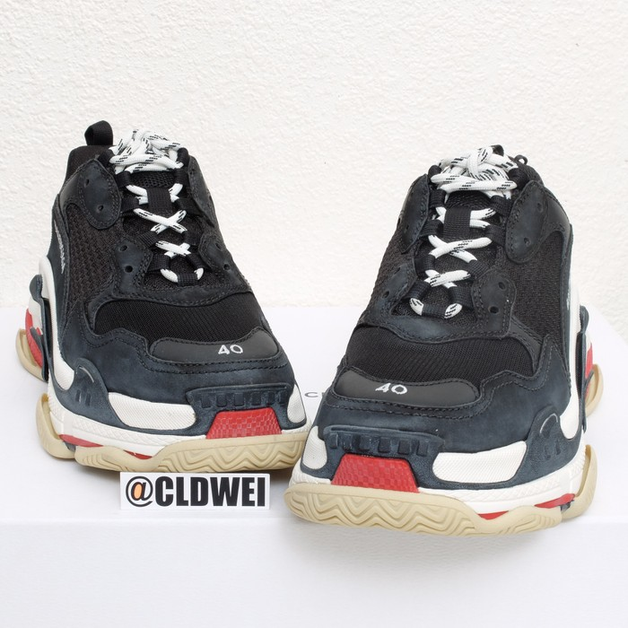 8d913a6c3a4c Balenciaga Triple S Bred Size 7 - Low-Top Sneakers for Sale - Grailed