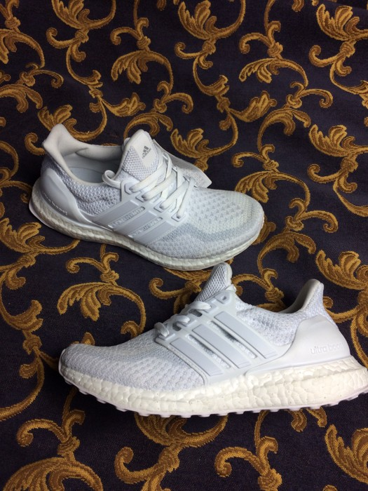c731bec13aa8 Adidas Adidas Ultra Boost 2.0 Triple White Women Girl Gs Size 6 ...