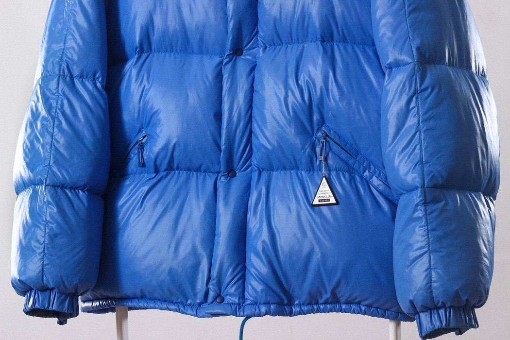 0c0cc2cd09fd Moncler 80 s Vintage Mens MONCLER Grenoble Puffa Puffer Down Padded Winter Jacket  Coat Blue Neon France