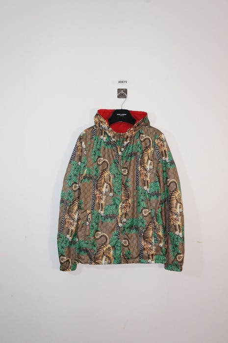376de1bb542 Gucci Tiger Print Shell Jacket Size l - Light Jackets for Sale - Grailed