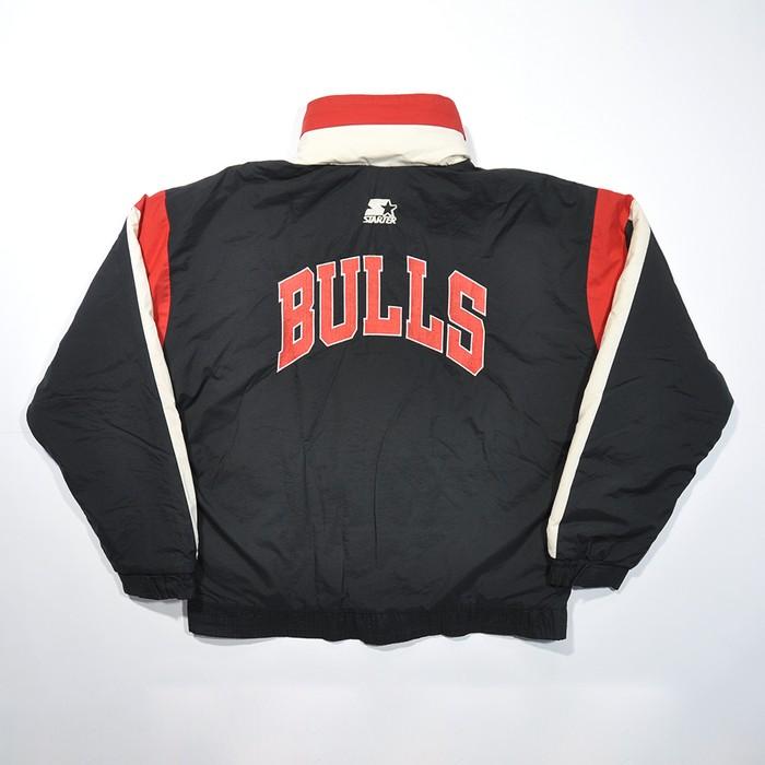 379b4802084b46 Starter. Rare Vintage 90s Chicago BULLS NBA Puff Winter Coat STARTER Hidden  Hoodie ...