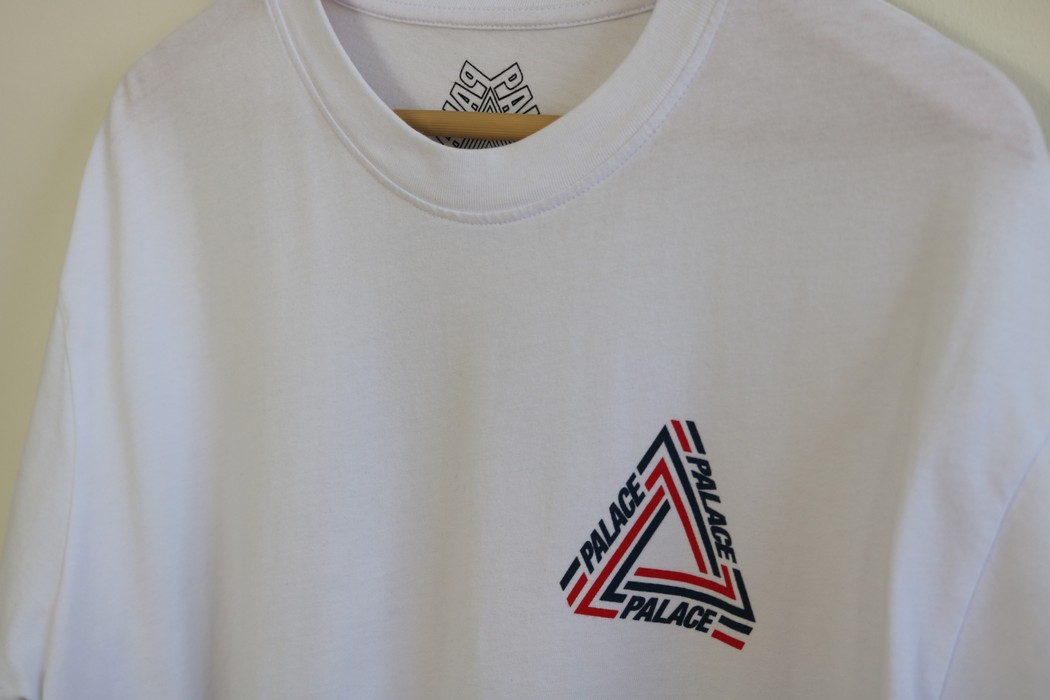 74f5310a6b8f Palace Tri-Crib Tee Size xl - Short Sleeve T-Shirts for Sale - Grailed