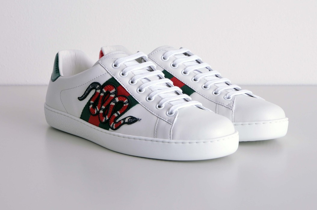 828245fcf22 Gucci White Leather Ace Snake Embroidery Sneakers Size 7 - Low-Top ...