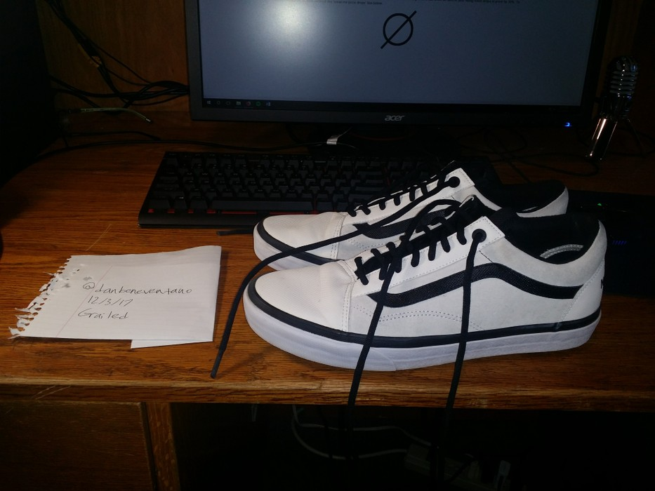 5dd68783b1 Vans × The North Face. Vans x The North Face Old Skool MTE DX TNF true  white black. Size  US 11.5   EU 44-45