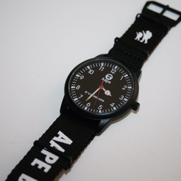 78eb2539c658 Bape AAPE by A Bathing Ape Watch Size one size - Jewelry   Watches ...