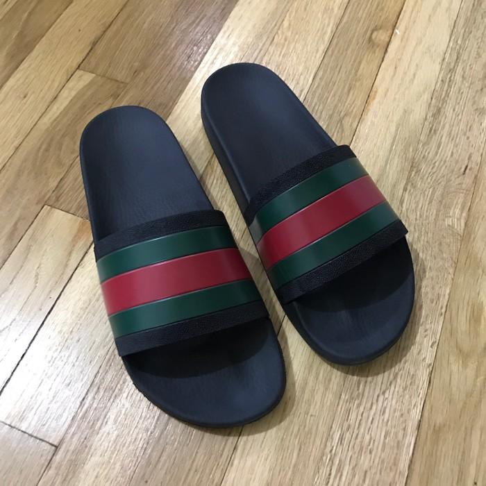91ac1cc8c5d3 Gucci Flip Flops Size 11 - Sandals for Sale - Grailed