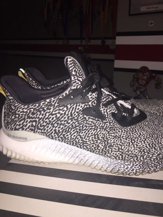 3332169e5a6bb Adidas Alpha Bounces Size 11 - Low-Top Sneakers for Sale - Grailed