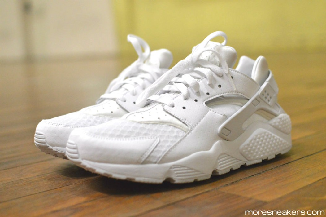 1e483e387bbc Nike Nike Air Huarache Triple White Size 11 - Low-Top Sneakers for ...