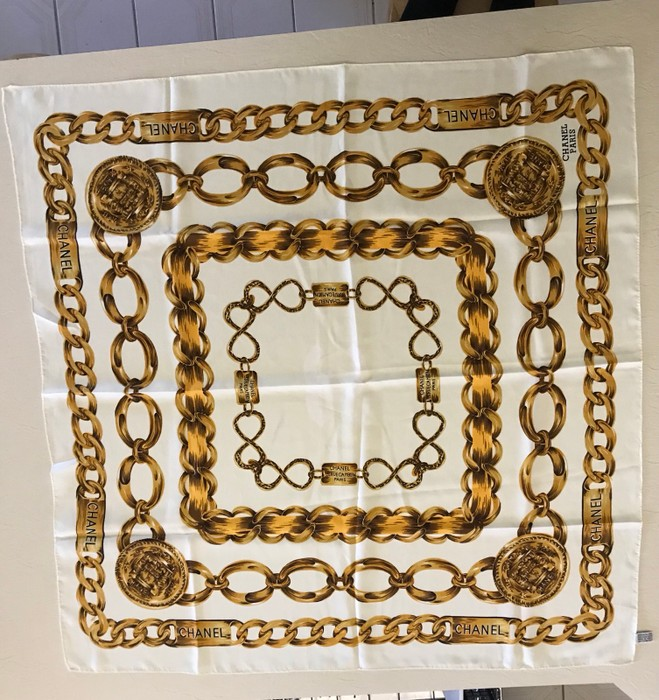 3ffcd50da50 Vintage Vintage Chanel Scarf Size one size - Gloves   Scarves for ...