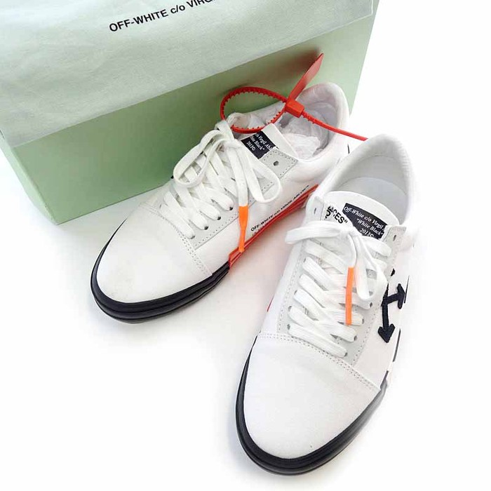 e0f24426d3df Off-White Vulc Low-Top Sneaker Size 7 - Low-Top Sneakers for Sale ...
