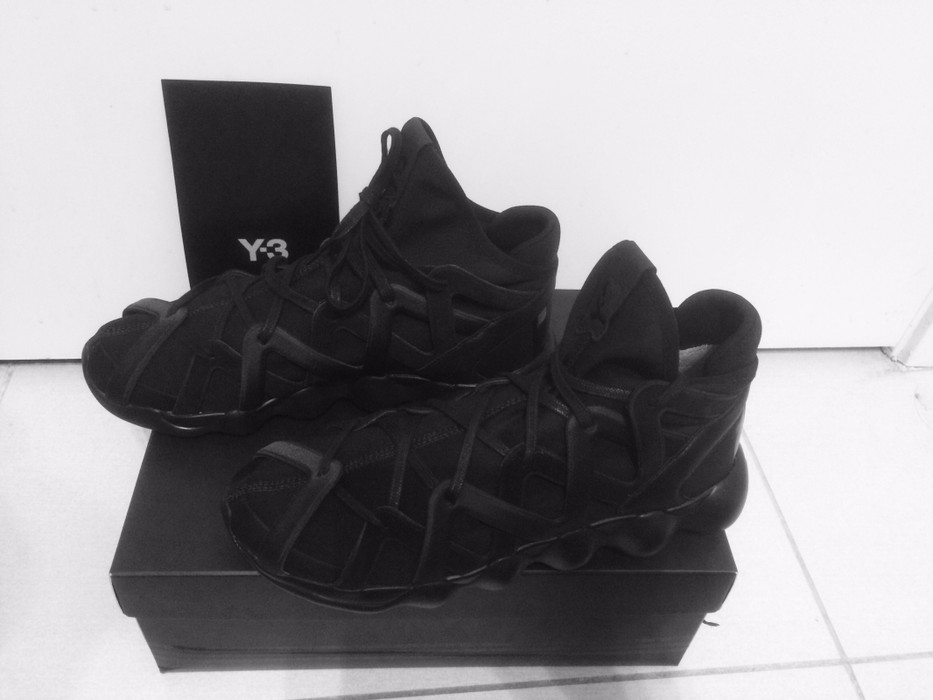 7b85799a9 Y-3 Kyujo High Triple Black Size 8 - Hi-Top Sneakers for Sale - Grailed