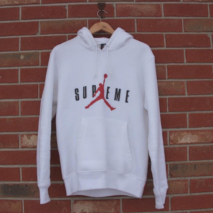 ef9691436e4 Supreme Supreme X Jordan Hoodie White Size m - Sweatshirts   Hoodies ...