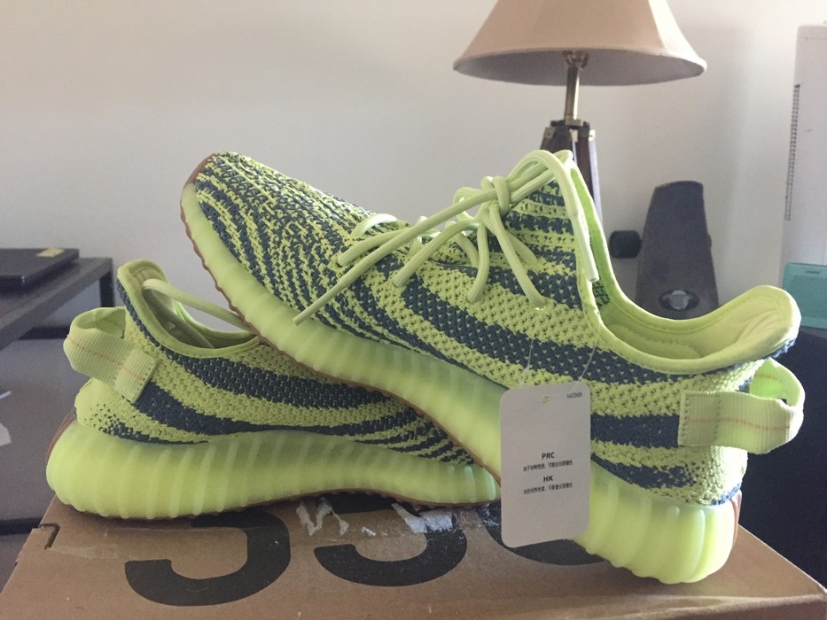 495c5de7af70a Adidas Kanye West. Yeezy Boost 350 V2  Semi Frozen Yellow. Size  US 10.5   EU  43-44