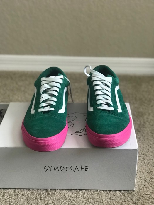 30ebe3b31df8 Vans Vans Golf Wang Syndicate Old Skool Pro S Green Pink Size US 11