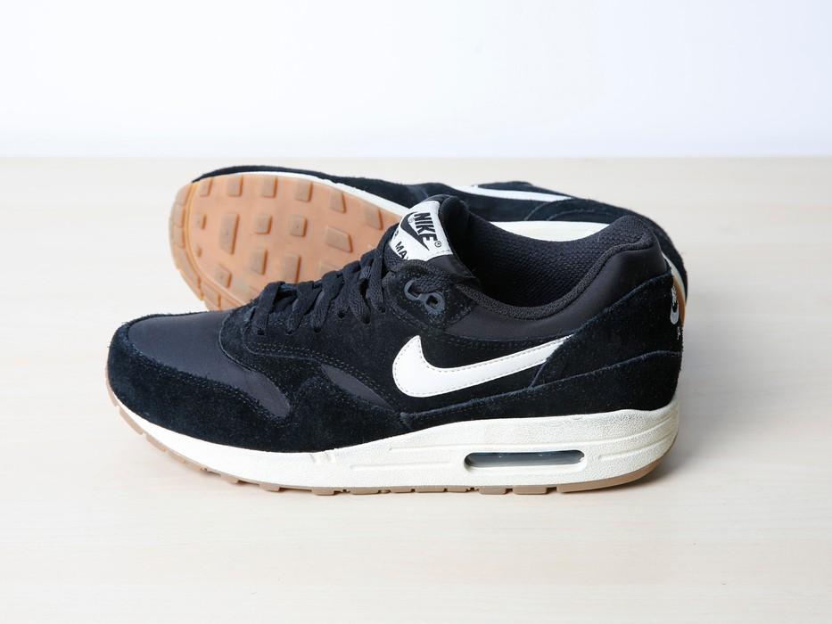 sports shoes bc1a2 7d48a Nike. Nike Air Max 1 Essential Black  Light Bone ...