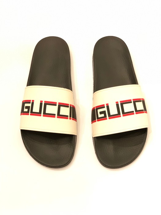 08c90cc9b731 Gucci Stripe Rubber Slide Sandal Size 12 - Sandals for Sale - Grailed