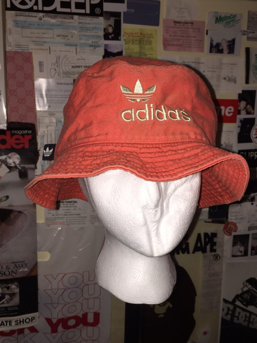 b6c9face3aa70 Adidas Adidas Bucket Hat Size one size - Hats for Sale - Grailed