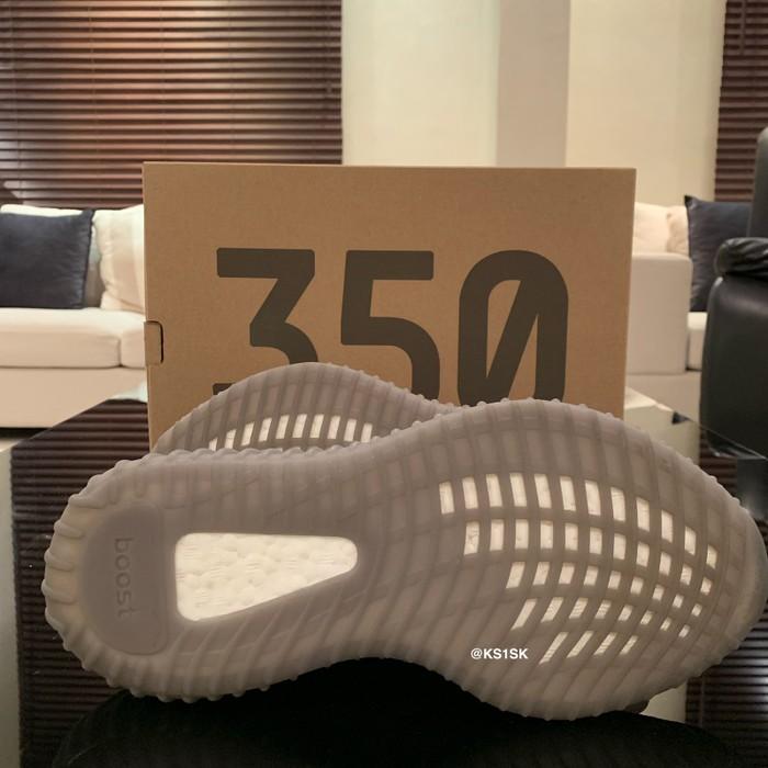 cbf99d34e666b Adidas VNDS Adidas Yeezy Boost 350 V2 Beluga 2.0 Size 7.5 - Low-Top ...