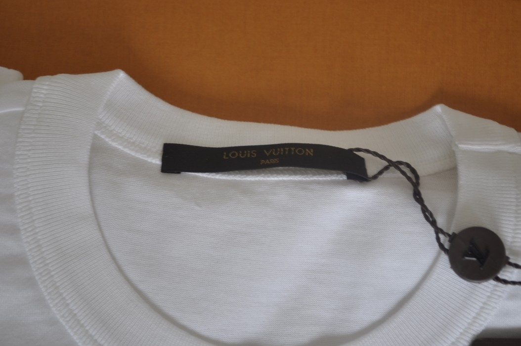 3d58f7f259d Supreme Louis Vuitton X Supreme Tee Box Logo BOGO White Red Monogram XS  Size US XS