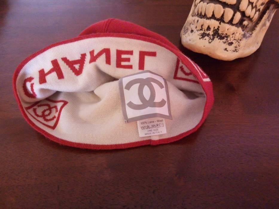 Chanel CHANEL Red and White Beanie Box Logo Monogram Hat Cap Pharrell  Williams - Supreme Quality 26da970985a