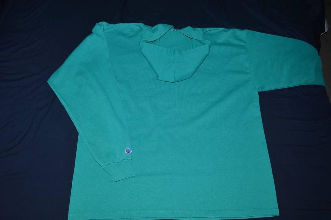 522ab8943e39 Vintage Vintage Champion University of Vermont Hooded Long Sleeve Graphic  Shirt Size US XL   EU