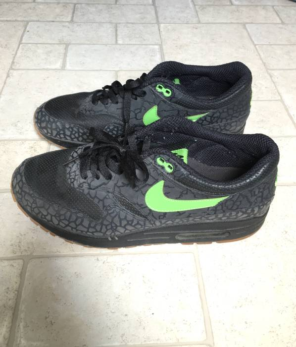 Nike Nike Air Max 1 Hufquake Size 10 - Low-Top Sneakers for Sale ... 8a4722178f9