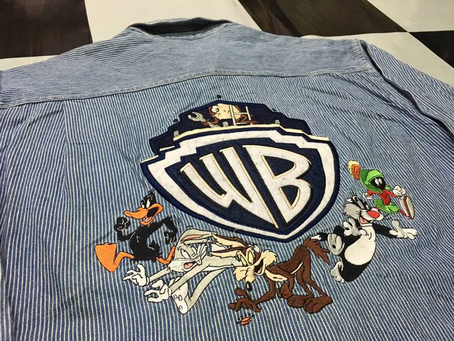 e287de766d Vintage Vintage Warner Brothers Studio denim shirt lobg sleeve Looney tunes  big logo embroidered button ups
